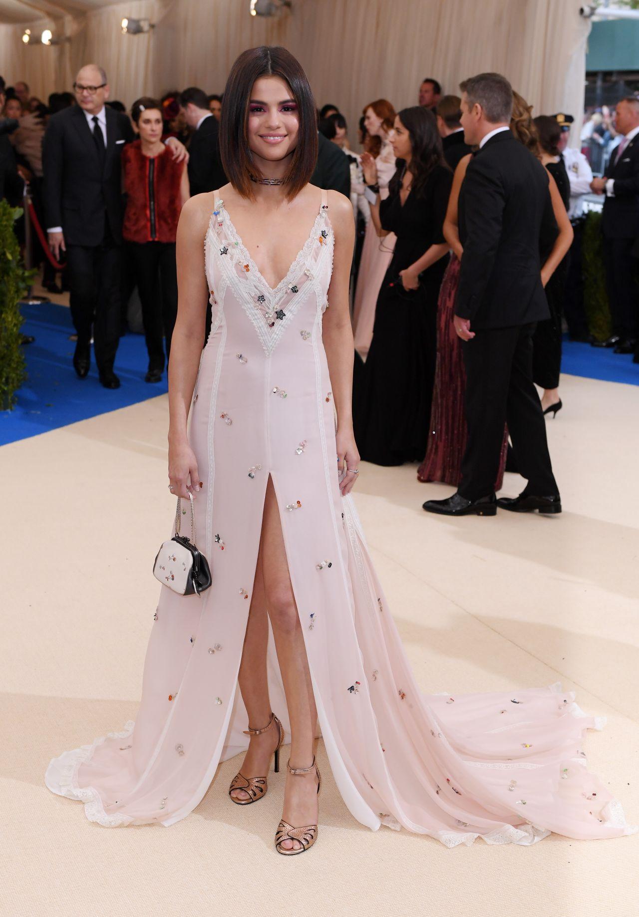 Selena Gomez - MET Gala at The Metropolitan Museum of Art ...