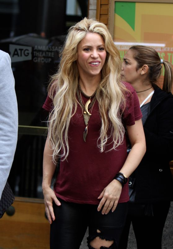 Shakira - Leaving the Lyric Theater in Manhattan 05/16/2017