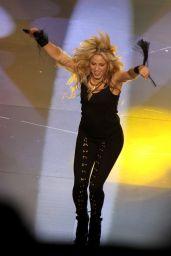 Shakira - Performs at the