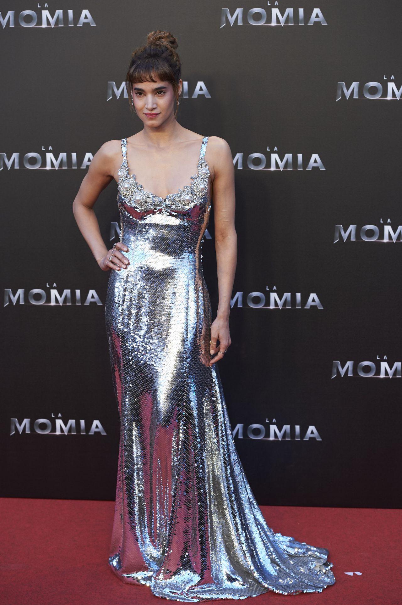 http://celebmafia.com/wp-content/uploads/2017/05/sofia-boutella-the-mummy-premiere-in-madrid-05-29-2017-6.jpg