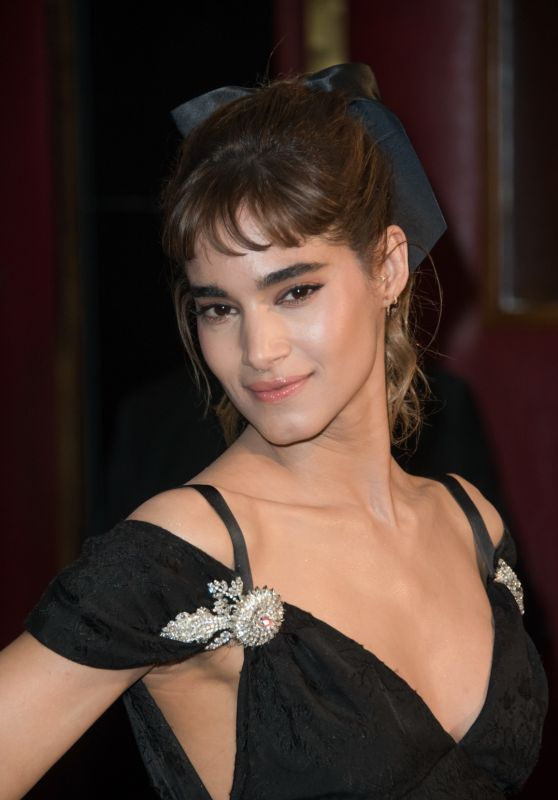 "Sofia Boutella – ""The Mummy"" Premiere in Paris, France 05/30/2017"