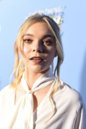 """Taylor Hickson – """"Everything, Everything"""" Movie Screening in Los Angeles 05/06/2017"""
