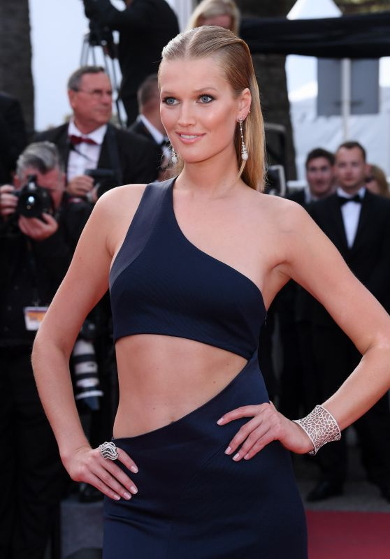"Toni Garrn – ""The Beguiled"" Premiere at Cannes Film Festival 05/24/2017"