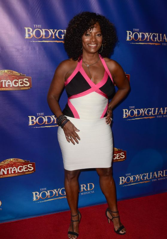 """Vanessa Calloway – """"The Bodyguard"""" Opening Night in Los Angeles 05/02/2017"""