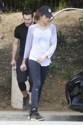 Zendaya - Goes for a Memorial Day Hike With Her Friends in Los Angeles 05/29/2017