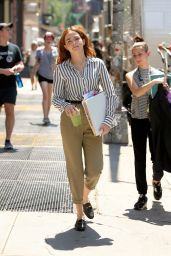 "Zoey Deutch - ""Set It Up"" Set in New York City 05/18/2017"
