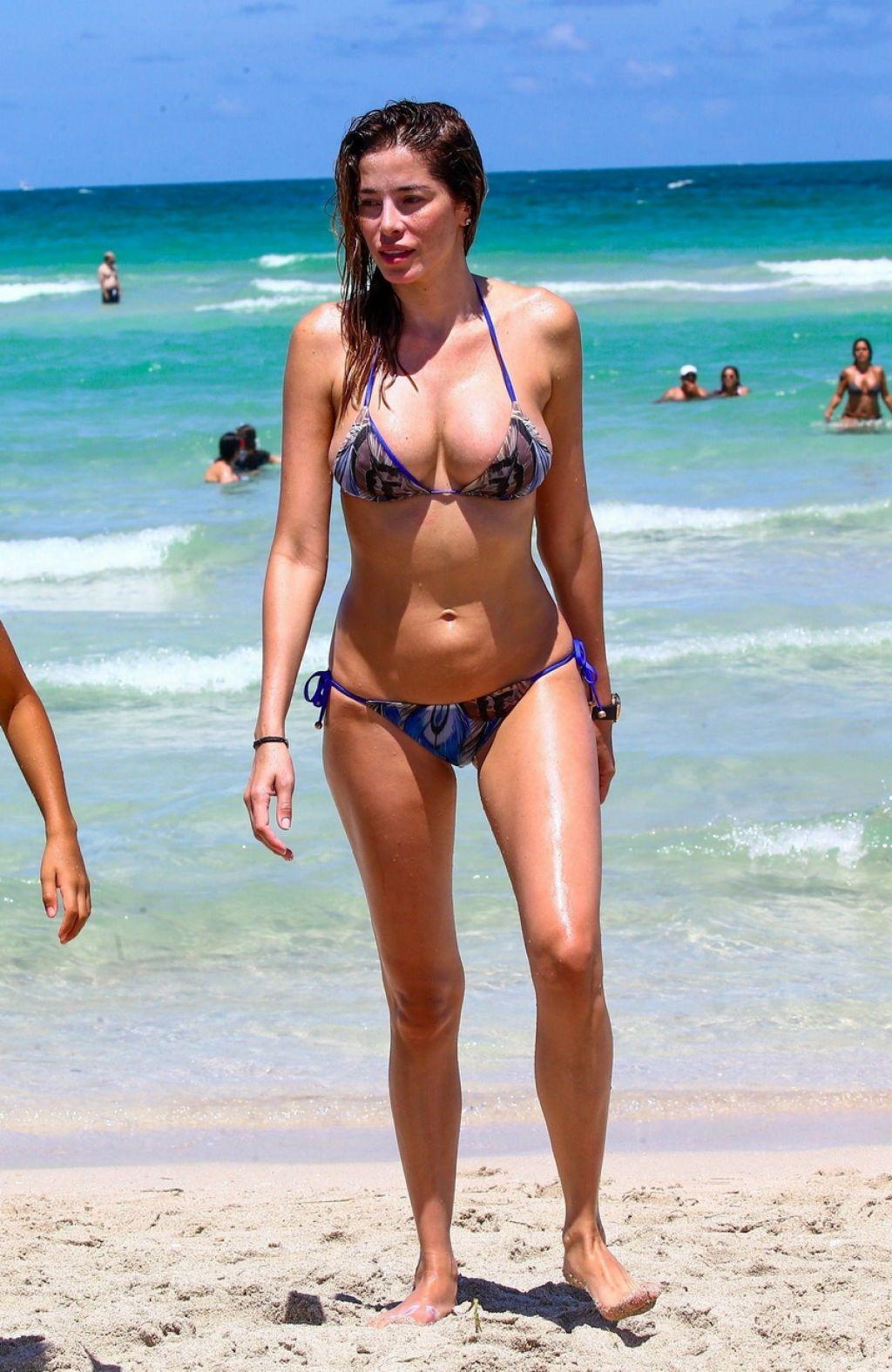 Aida Yespica In Bikini On The Miami Beach 06 25 2017
