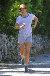 Ali Larter - Out for an Afternoon Jog in Pacific Palisades, CA 06/16/2017