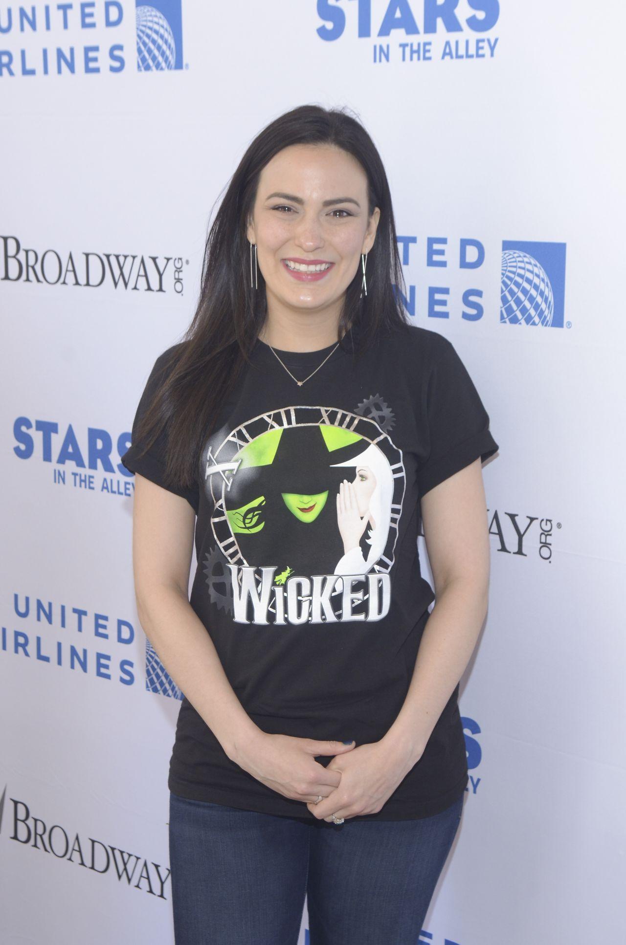 Alyssa fox stars in the alley event in new york