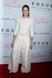 "Amanda Peet – ""The Beguiled"" Premiere in New York 06/22/2017"