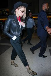Amber Heard Style - LAX Airport in Los Angeles, CA 06/28/2017