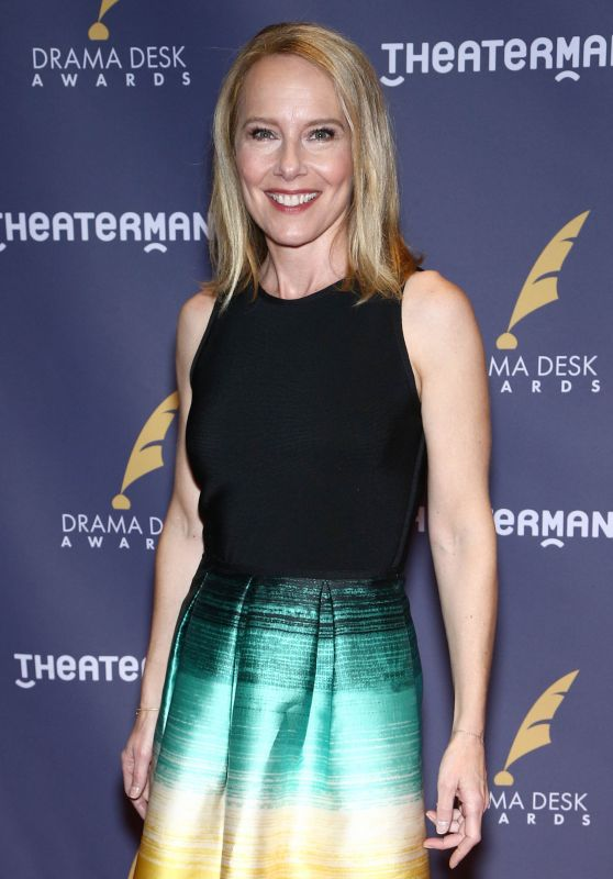 Amy Ryan – Drama Desk Awards in New York 06/04/2017