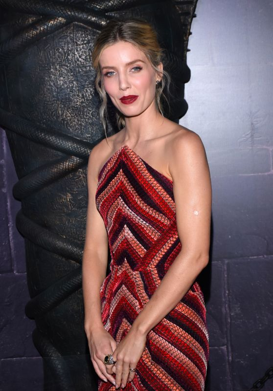 """Annabelle Wallis - """"The Mummy"""" Premiere in Mexico City 06/05/2017"""