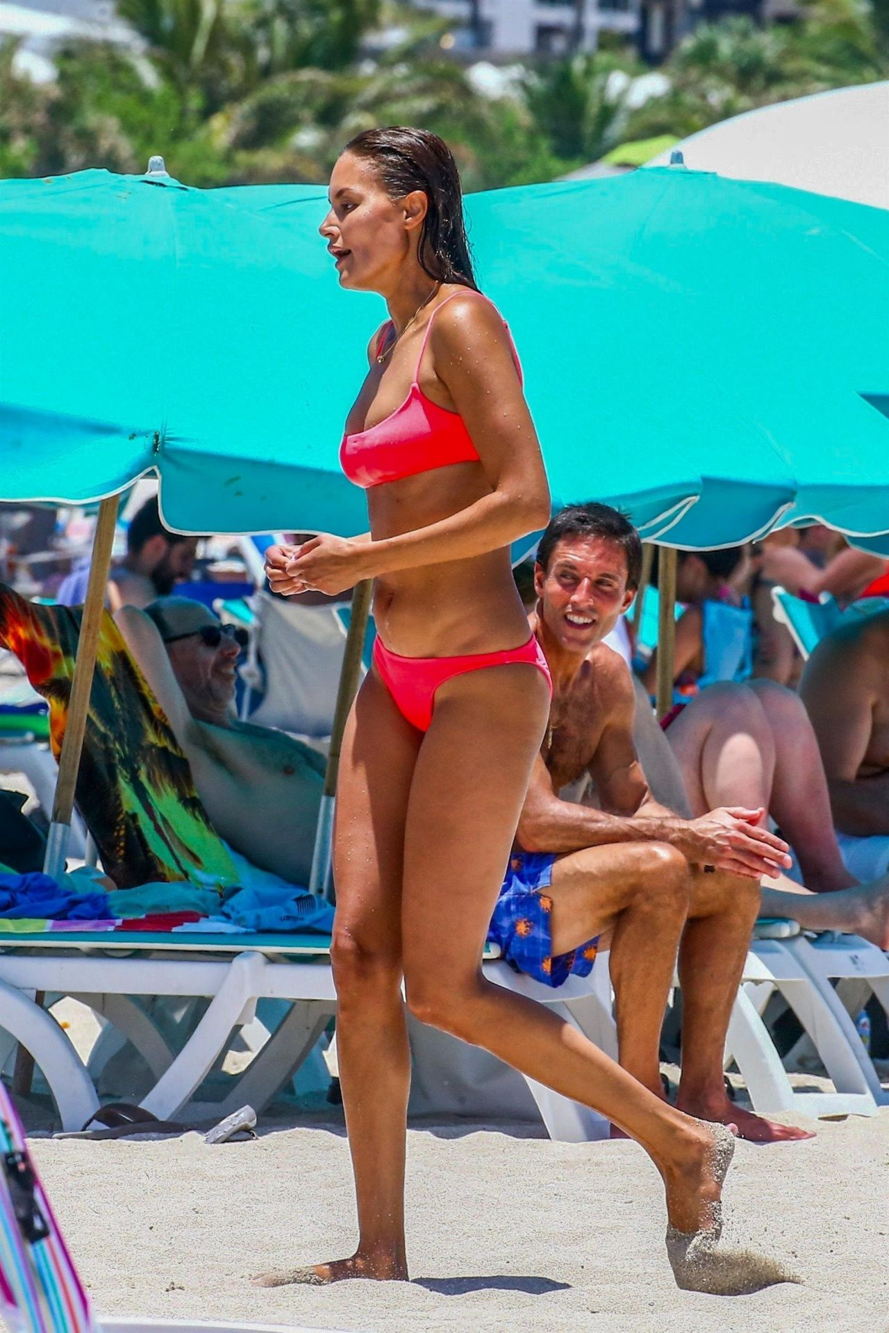 picture Anne marie kortright in a pink bikini at miami beach