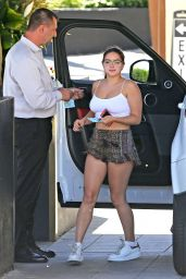 Ariel Winter Summer Street Style - Out in Los Angeles 06/14/2017