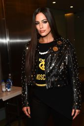 Ashley Graham - Moschino Resort 2018 - Front Row 06/08/2017