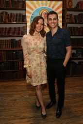 """Aubrey Plaza - """"Little Hours"""" In Store Reading, NYC 06/28/2017"""