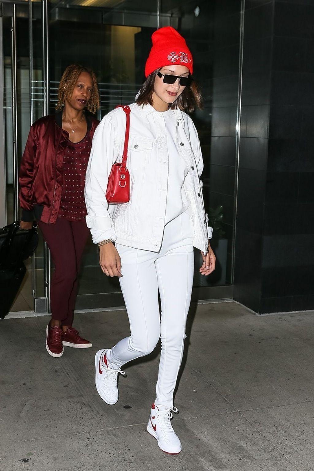 Bella Hadid U2013 Leaving Her Apartment In Manhattan, NYC 06/08/2017