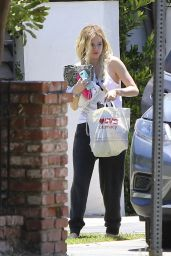 Bella Thorne - Arrives Home in Sherman Oaks, CA 06/13/2017