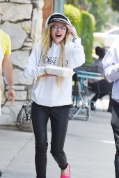 Bella Thorne Street Style - Out in LA 06/06/2017