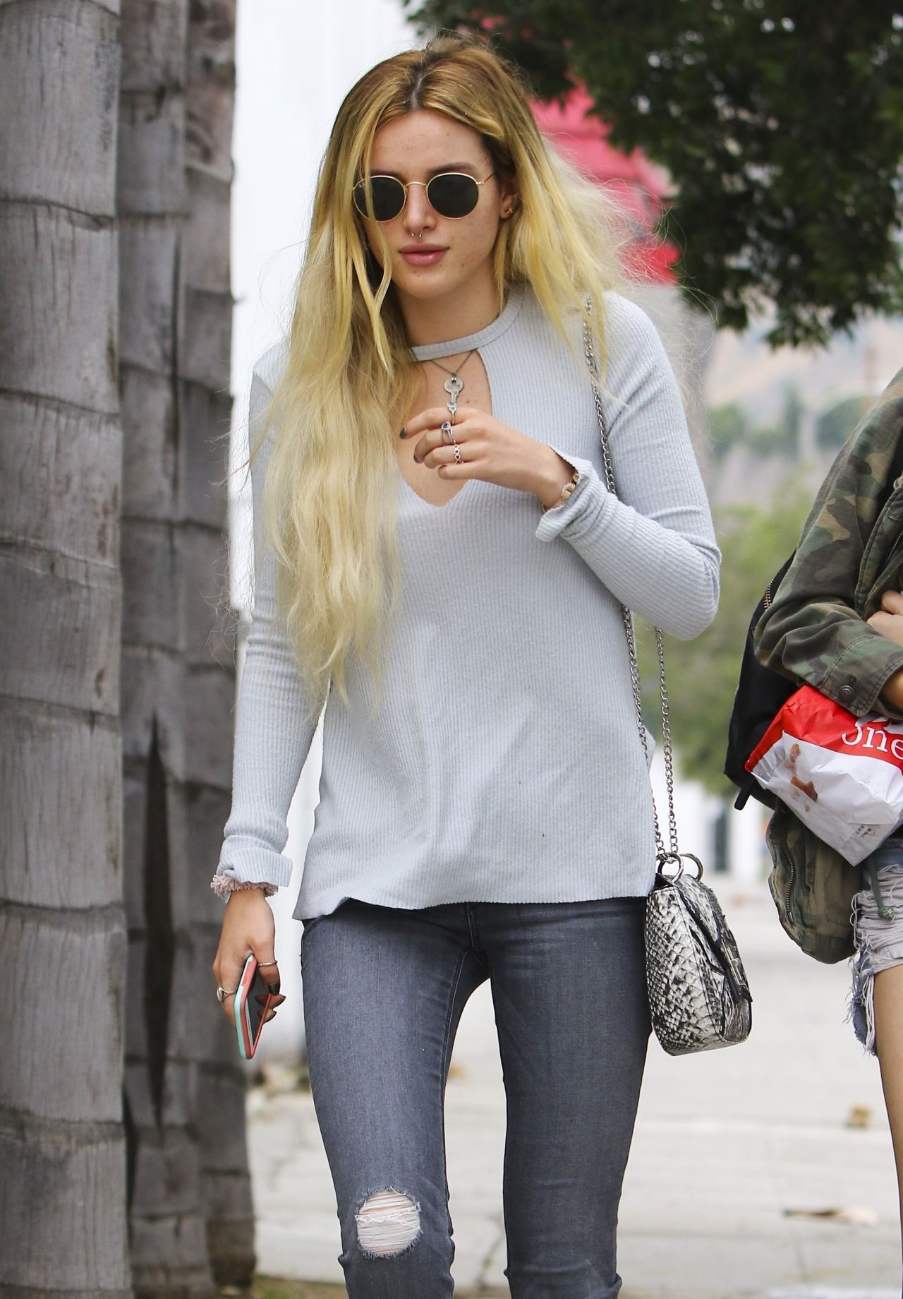 Bella Thorne Urban Street Fashion Los Angeles 05 31 2017