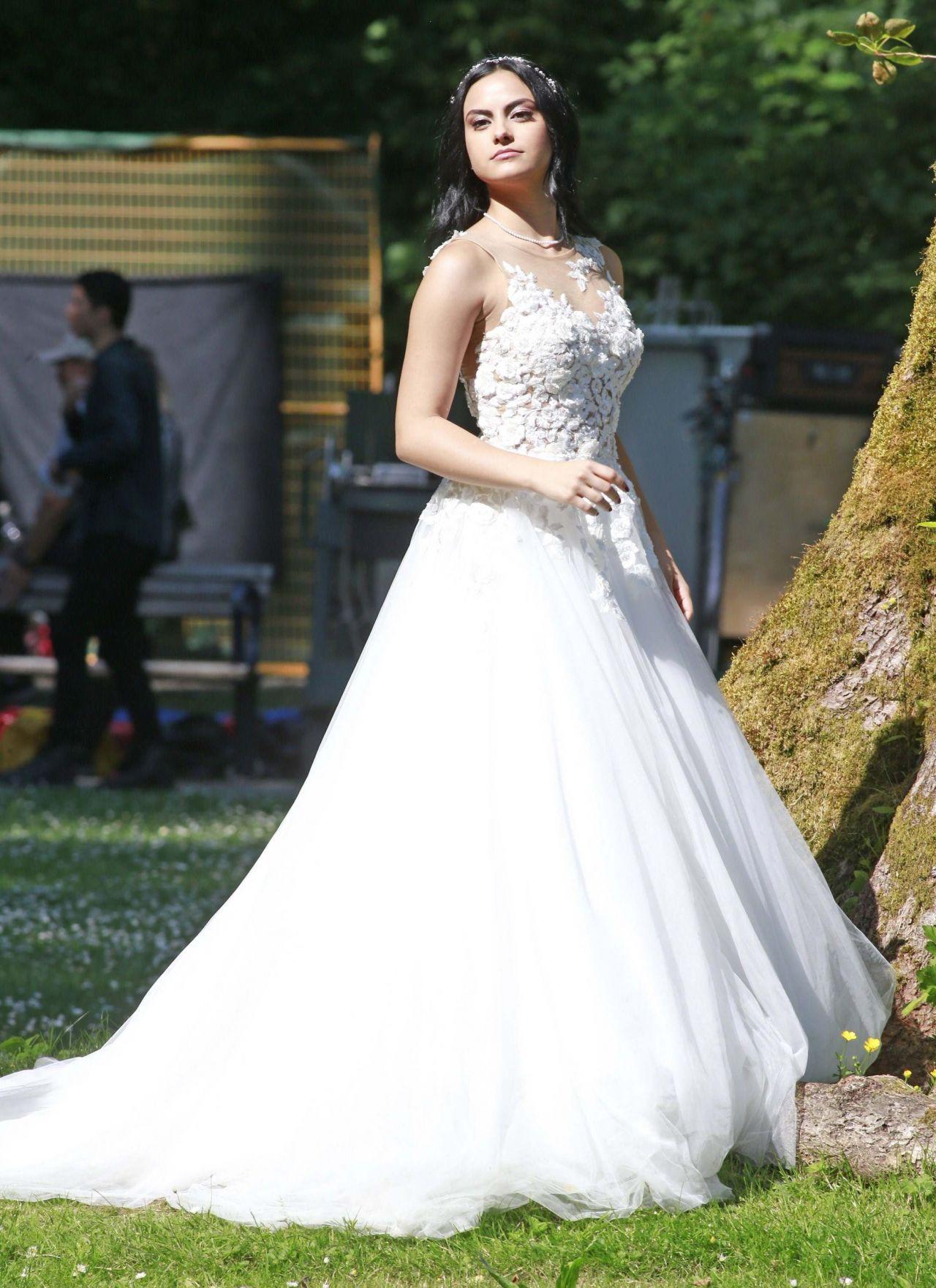 Camila Mendes Quot Riverdale Quot Set At Barnet Marine Park In