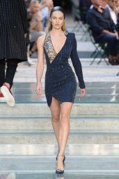 Candice Swanepoel Supermodel Runway Walk - Versace Men SS2018 Fashion Show in Milan 06/17/2017