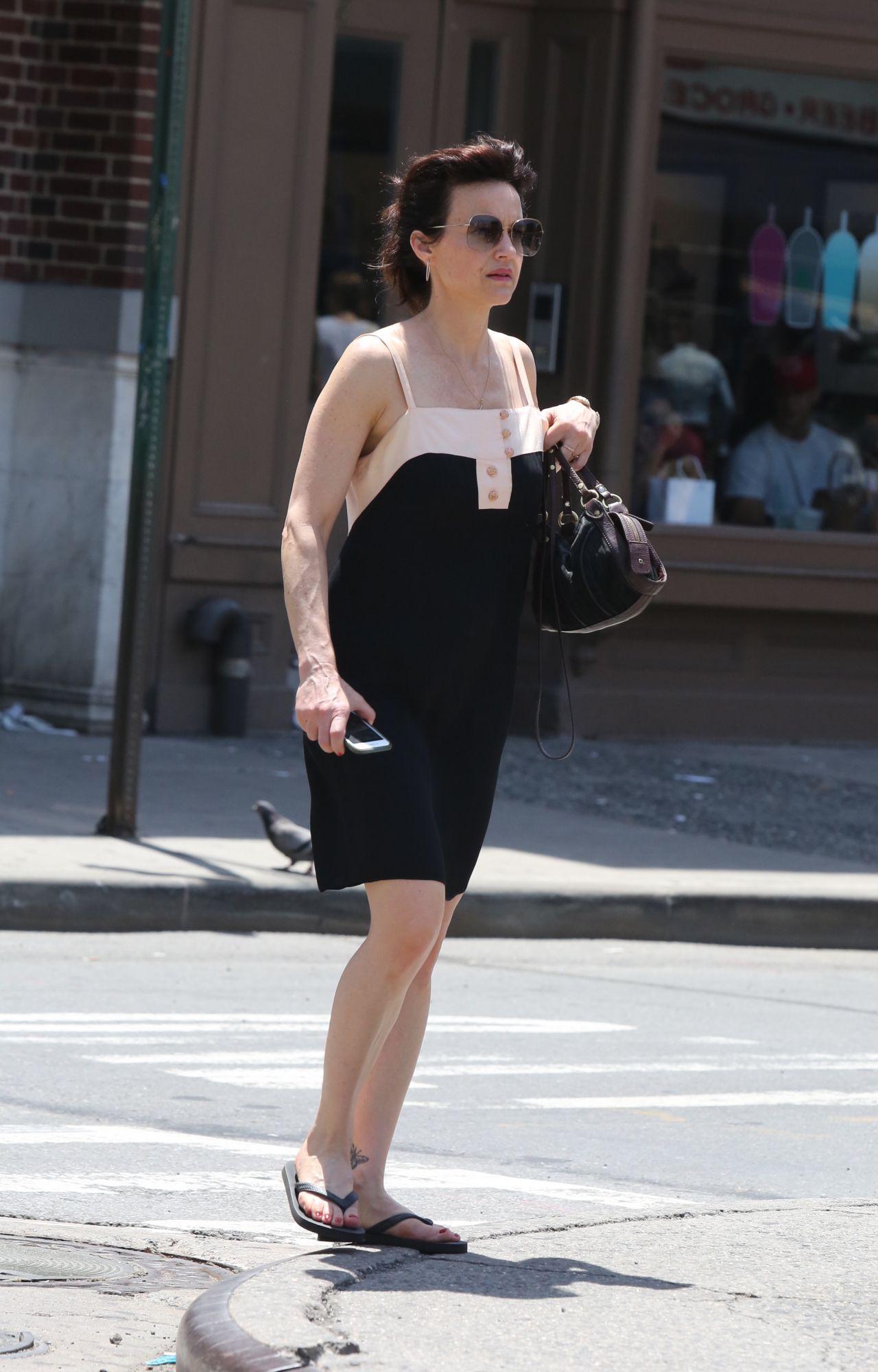 Carla Gugino Street Style New York 06 11 2017