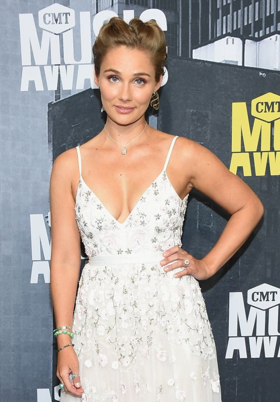 Clare Bowen - CMT Music Awards in Nashville 06/07/2017