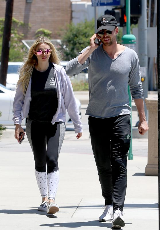 Corinne Olympios and Jordan Gielchinsky - Out for Lunch in Los Angeles 06/17/2017