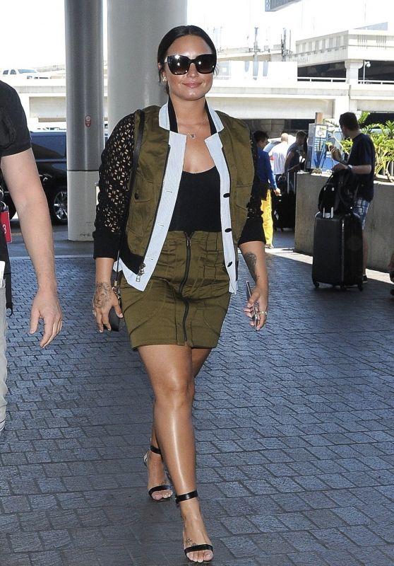 Demi Lovato - LAX Airport in Los Angeles 06/17/2017