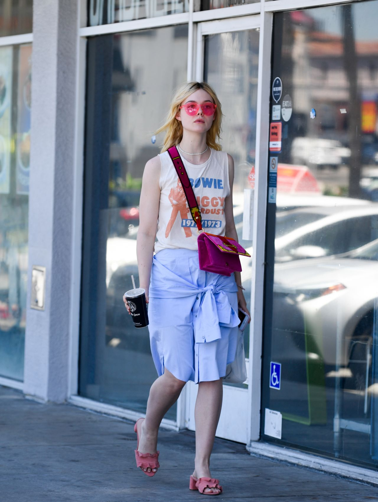 Paparazzi Elle Fanning naked (18 foto and video), Tits, Cleavage, Instagram, see through 2006