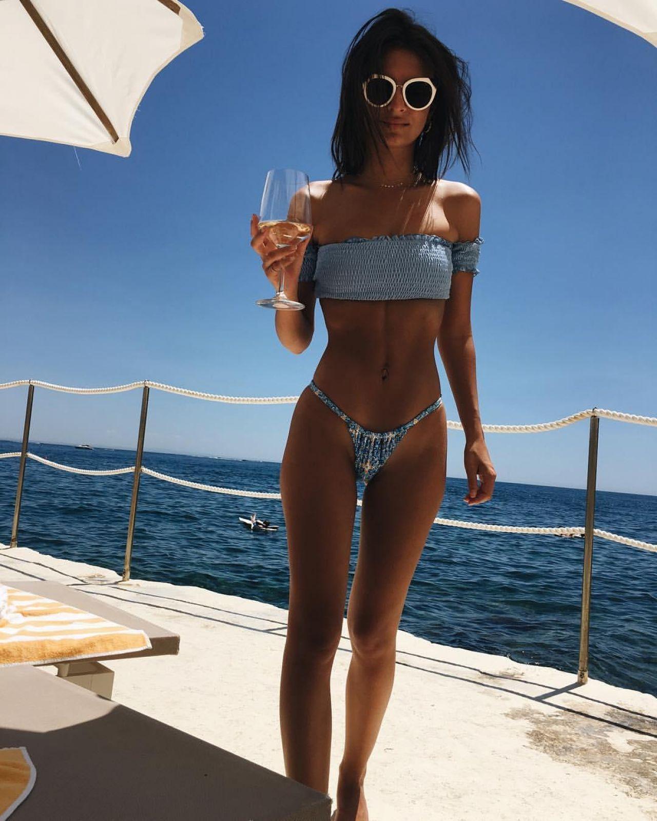 Emily Ratajkowski in Bikini