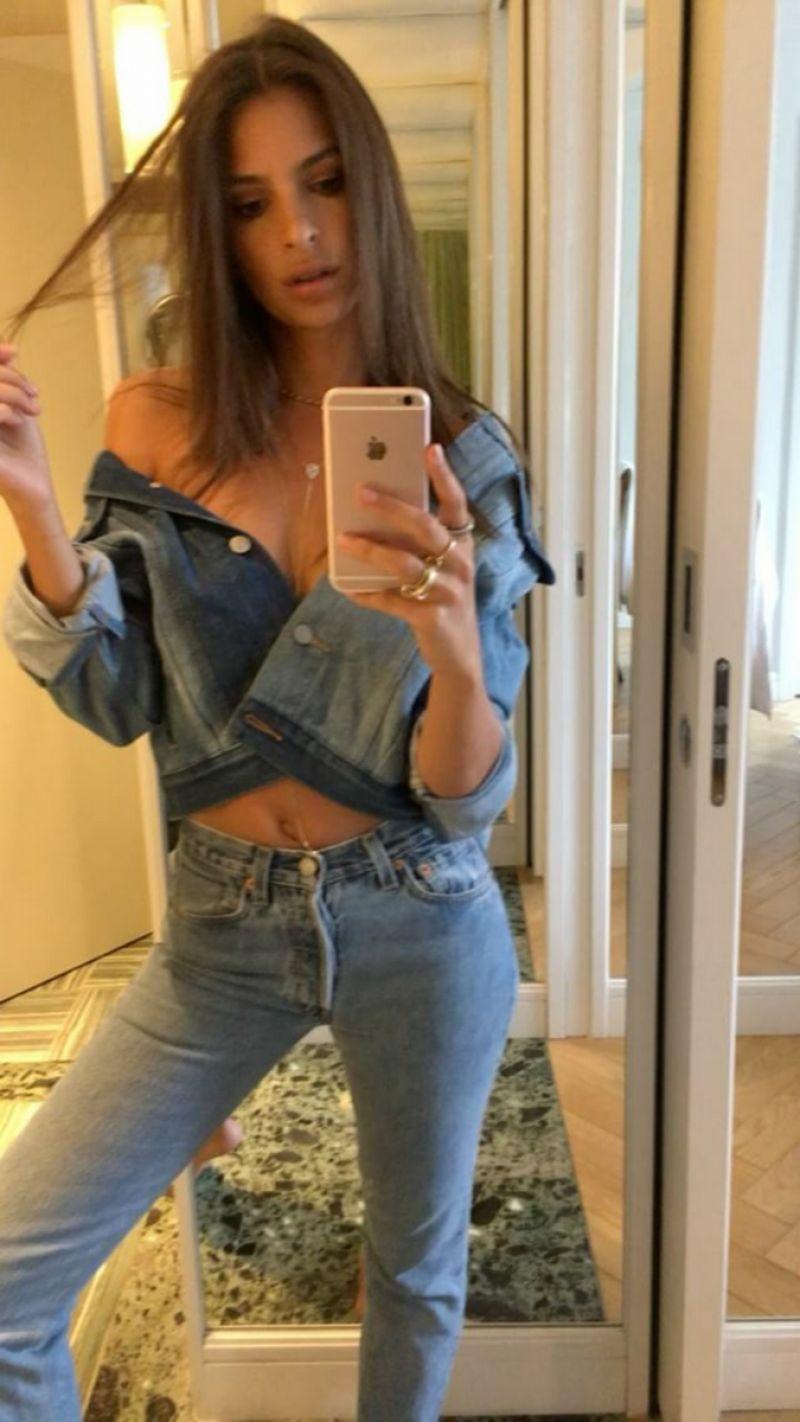 Selfie Emily Ratjkowski naked (78 photos), Sexy, Bikini, Selfie, cameltoe 2019