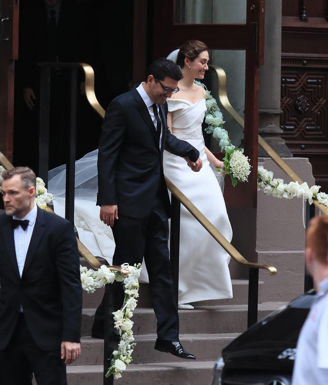 Emmy Rossum Wedding: Emmy Rossum Marries Sam Esmail In New York City 05/28/2017