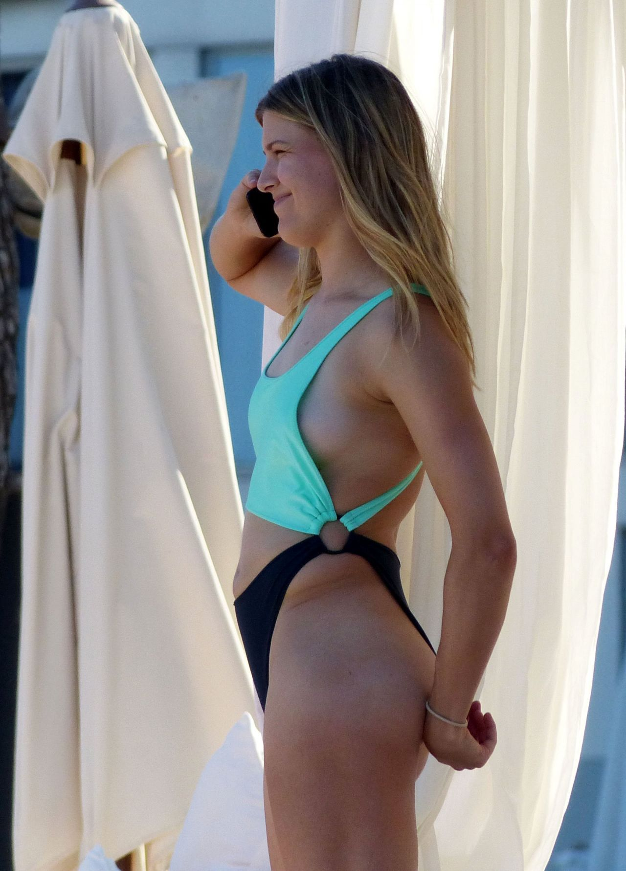 Eugenie Bouchard In A Bikini - Beach In Madrid 06222017-4983