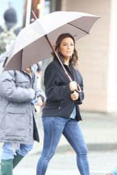 """Eva Longoria - On the Set of """"Overboard"""" in Vancouver 06/08/2017"""