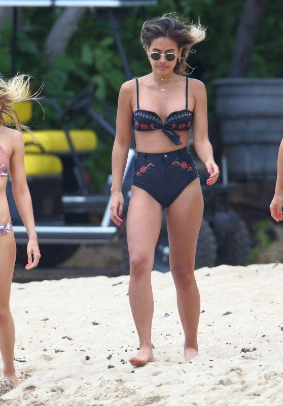 Francis Lola, Sophie Elkus, Jill Wallace & Mary Leest Bikini Candids - Hawaii 06/27/2017