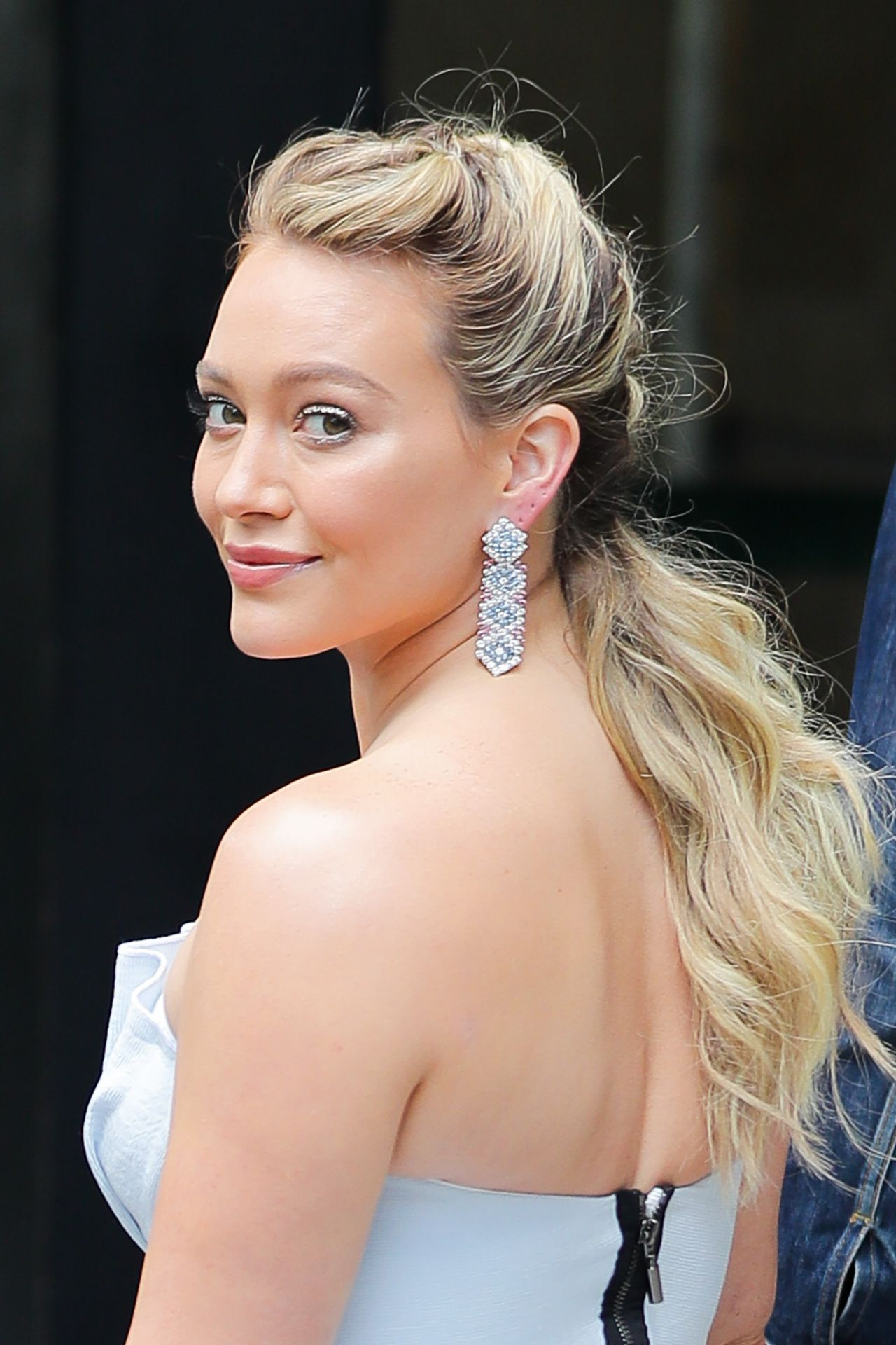 "Hilary Duff in a ""Cinderella"" Dress - ""Younger"" Set in NY ... Hilary Duff"