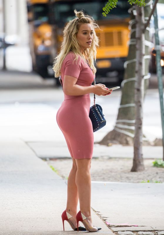"""Hilary Duff - """"Younger"""" Set in New York City 06/02/2017"""
