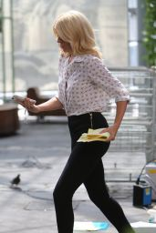 """Holly Willoughby - Filming """"This Morning"""" in London, UK 06/15/2017"""