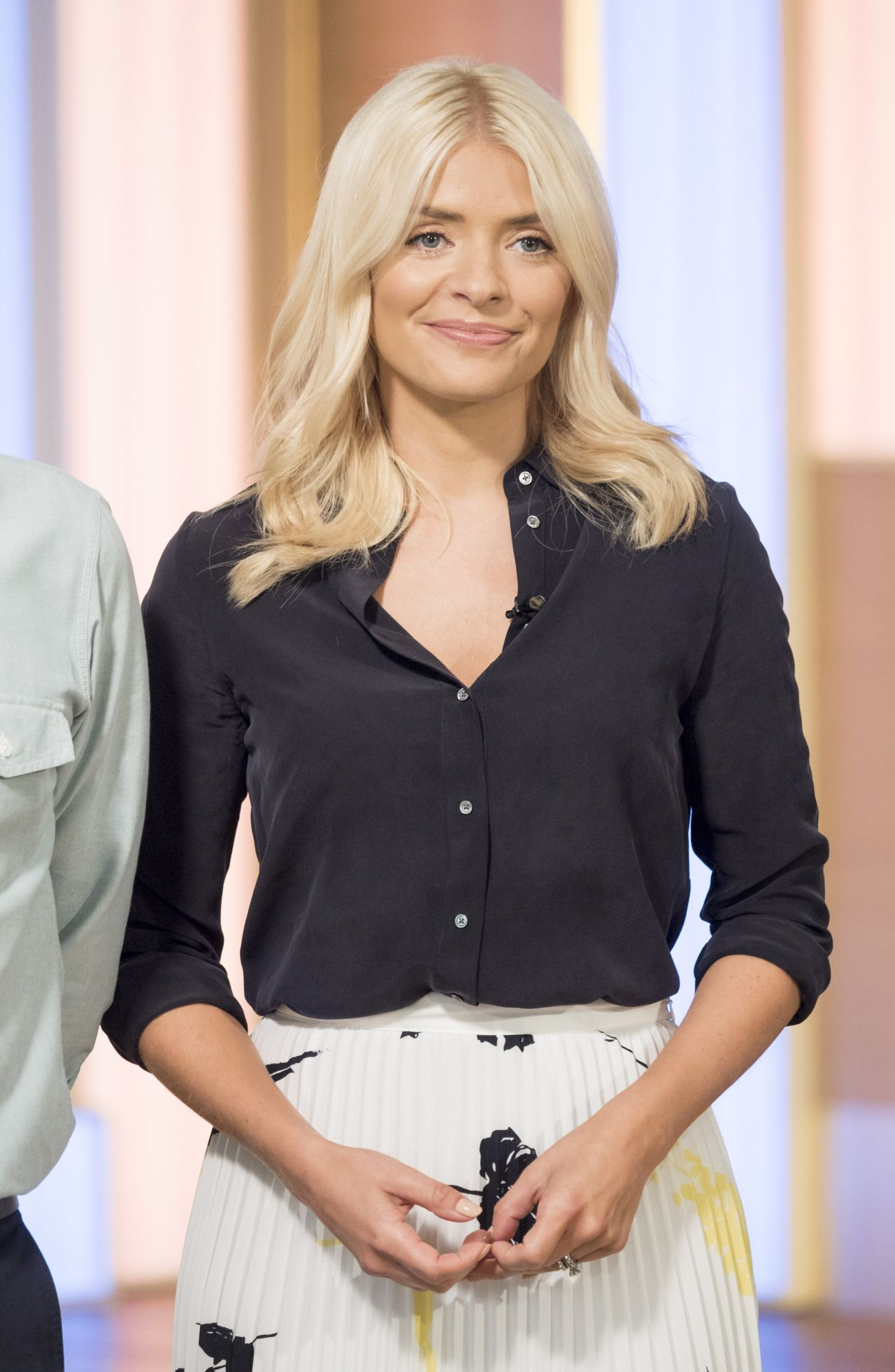 holly willoughby quotthis morningquot tv show in london 06272017