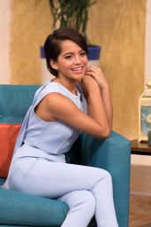 "Isabela Moner - Appeared on ""Despierta America"" June 2017"