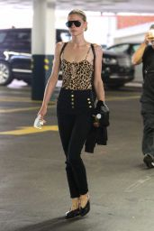 Jaime King Casual Chic Outfit - Leaving a Nail Salon in Beverly Hills 06/19/2017