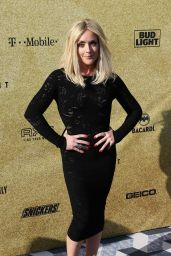 "Jane Krakowski - ""One Night Only: Alec Baldwin"" Comedy Tribute in NY 06/25/2017"