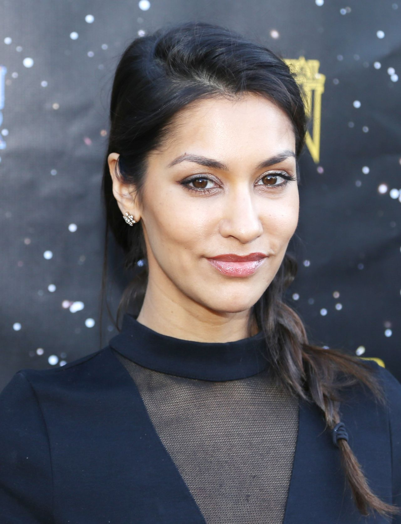 janina gavankar - photo #1