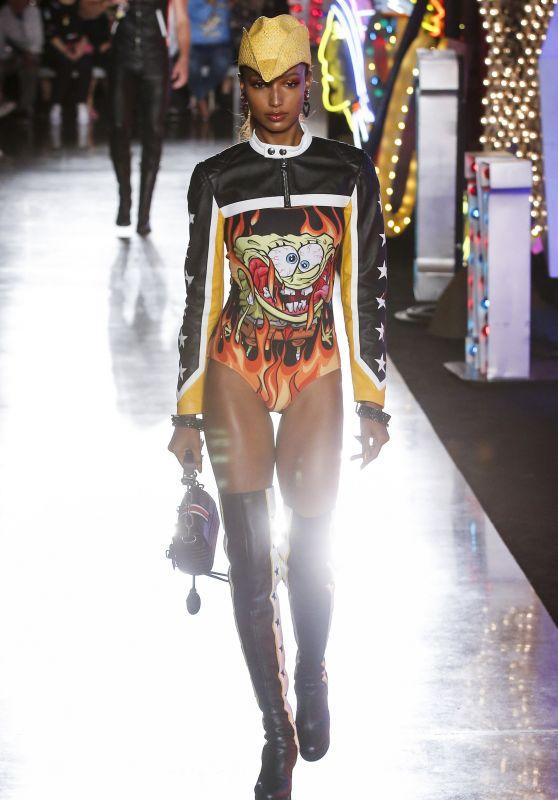 Jasmine Tookes Runway Walk – Moschino Resort 2018 in Los Angeles 06/08/2017