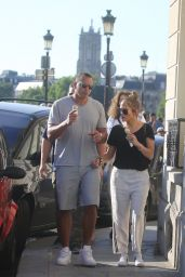 Jennifer Lopez and Alex Rodrigue at Berthillon on Île Saint-Louis in Paris 06/18/2017