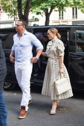 Jennifer Lopez and Alex Rodriguez Visit The Louvre in Paris 06/17/2017
