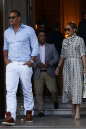 Jennifer Lopez and Alex Rodriguez Visit The Louvre in Paris 06/17/2017